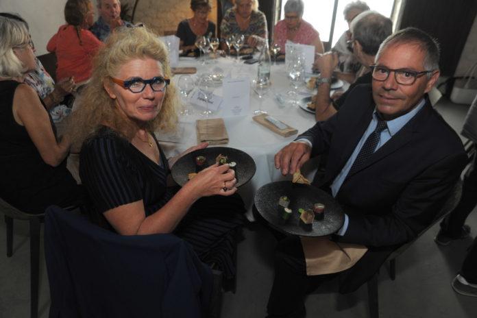 Fabienne Valéreau et le chef cuisinier Richard Lepage ont mis au point la technique pour manger sans fourchette
